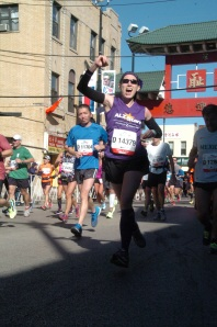 Jennifer at mile 22 of the Chicago Marathon